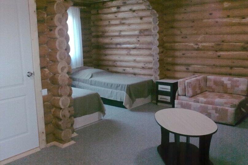 2 местный номер в деревянном доме. Сруб, Мира, 9, Новофёдоровка, Саки - Фотография 1