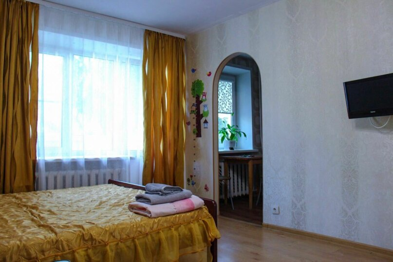1-комн. квартира, 35 кв.м. на 3 человека, улица Ломоносова, 36, Великий Новгород - Фотография 5