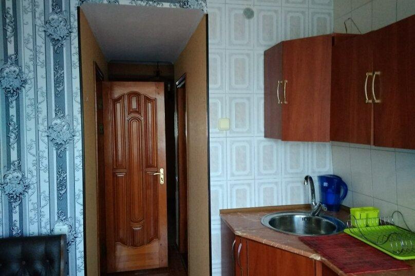 3-комн. квартира, 72 кв.м. на 6 человек, переулок Шаумяна, 1, Феодосия - Фотография 18