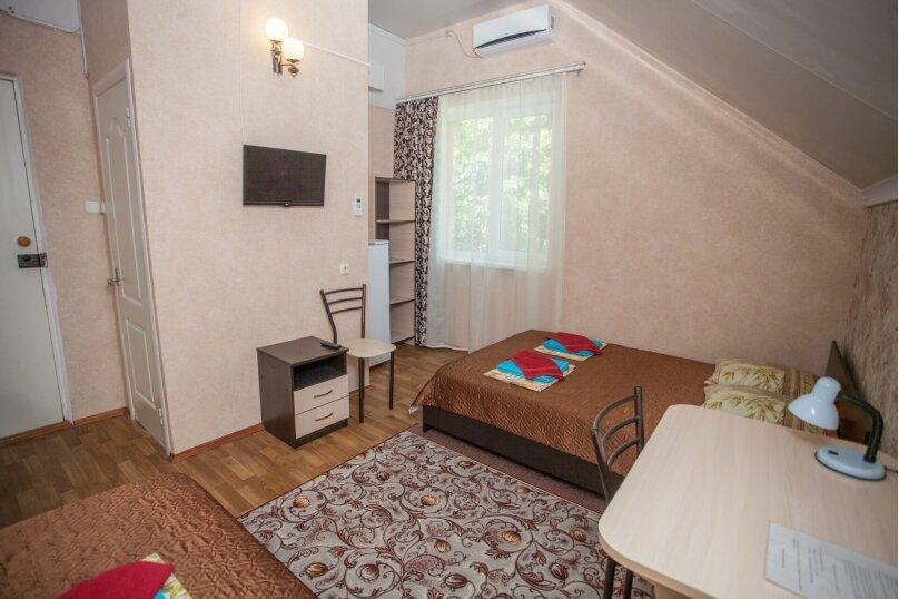 Трехместный номер с основными удобствами, улица Таманская, 48, Анапа - Фотография 1