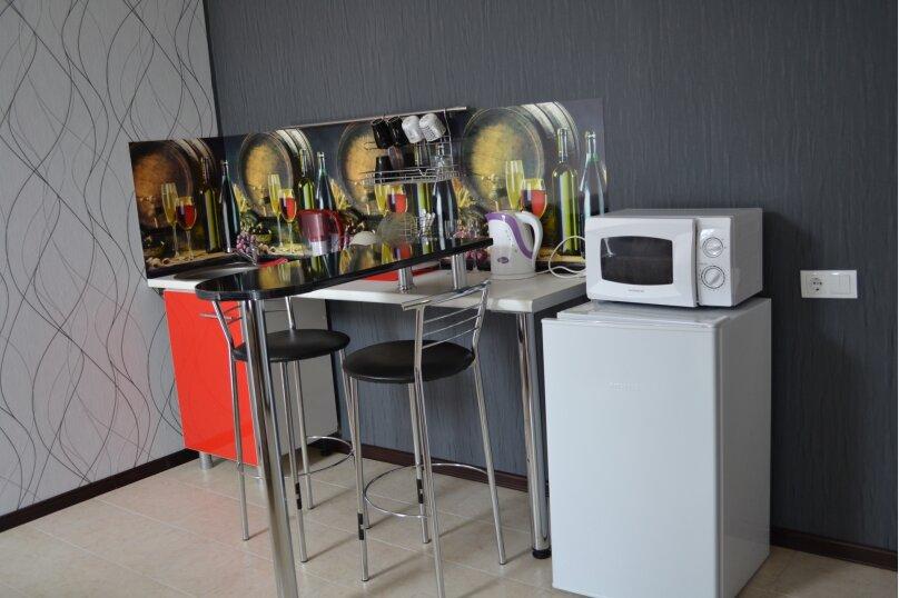 Номер люкс - студио с кухонным уголком, улица Шереметьева, 4, Геленджик - Фотография 3