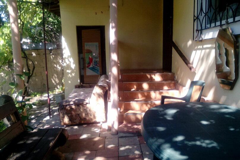 Дом на  3 человек площадью 34 кв.м .Сад!, 34 кв.м. на 3 человека, 1 спальня, улица Ленина, 28, Феодосия - Фотография 1