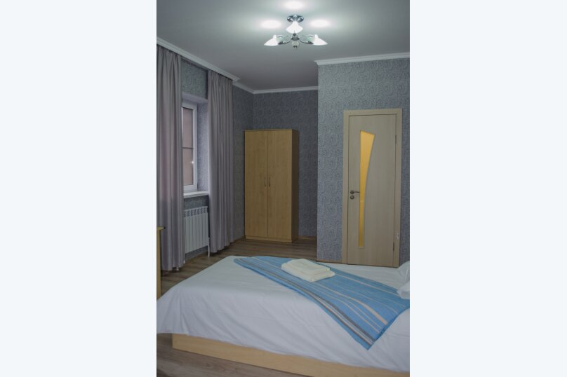 Гостиница 836275, улица Соколова, 54 на 7 комнат - Фотография 4