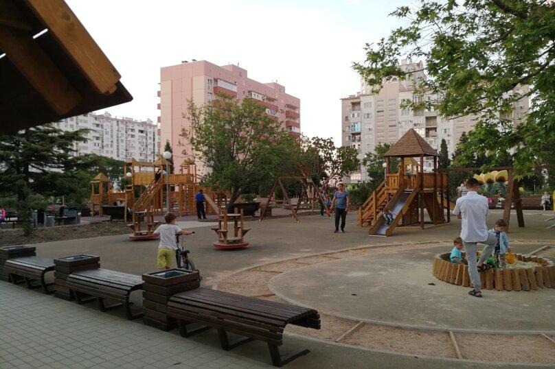 2-комн. квартира, 55 кв.м. на 5 человек, проспект Героев Сталинграда, 17, Севастополь - Фотография 20