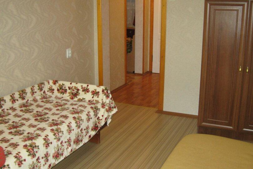 1-комн. квартира, 40 кв.м. на 3 человека, проспект Октябрьской Революции, 32, Севастополь - Фотография 1