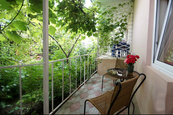 Гостевой дом, Кипарисовая улица, 56 на 6 номеров - Фотография 1