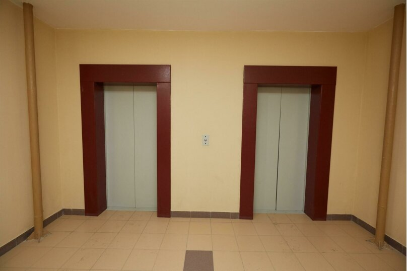 2-комн. квартира, 64 кв.м. на 6 человек, проезд Геологоразведчиков, 44А, Тюмень - Фотография 15