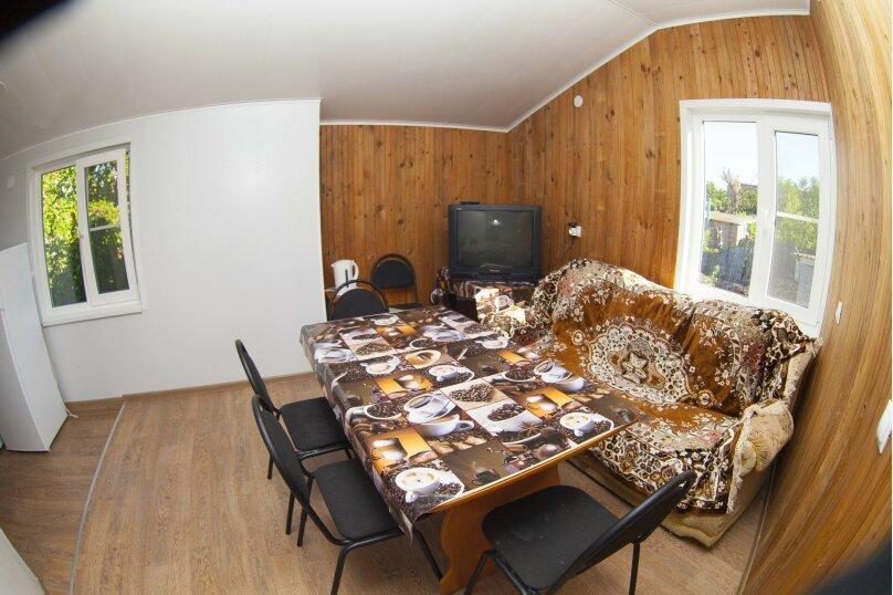 Дом с 3 спальнями , 120 кв.м. на 8 человек, 3 спальни, Победы , 150, Ейск - Фотография 15