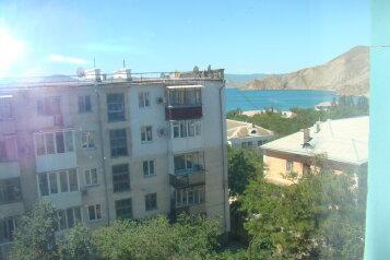 2-комн. квартира, 50 кв.м. на 4 человека, Бондаренко, 15, поселок Орджоникидзе, Феодосия - Фотография 1