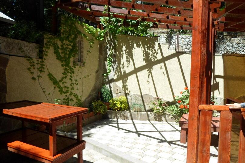 """Гостевой дом """"Сосновый бор"""", Парковый спуск, 9 на 8 комнат - Фотография 12"""