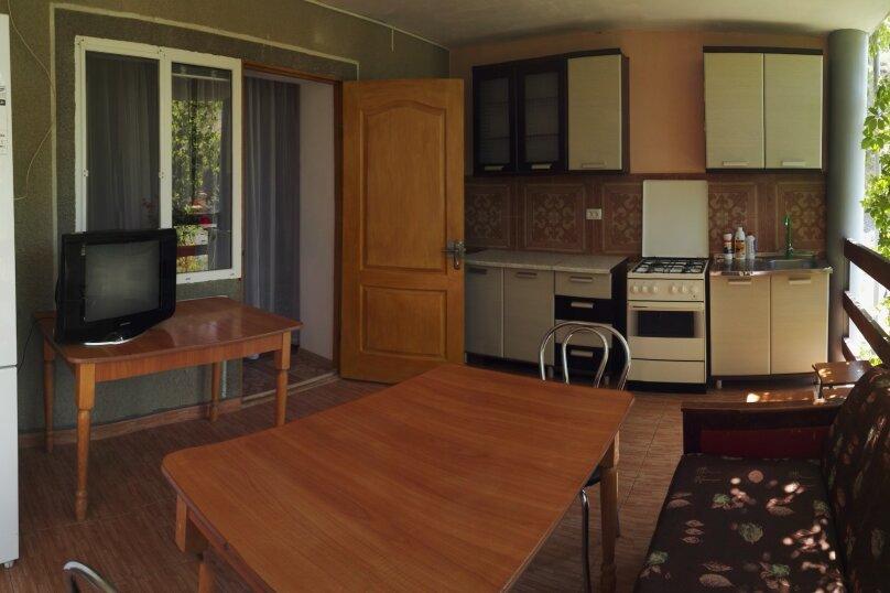 Котедж, 80 кв.м. на 7 человек, 2 спальни, улица Мартынова, 9, Морское - Фотография 1