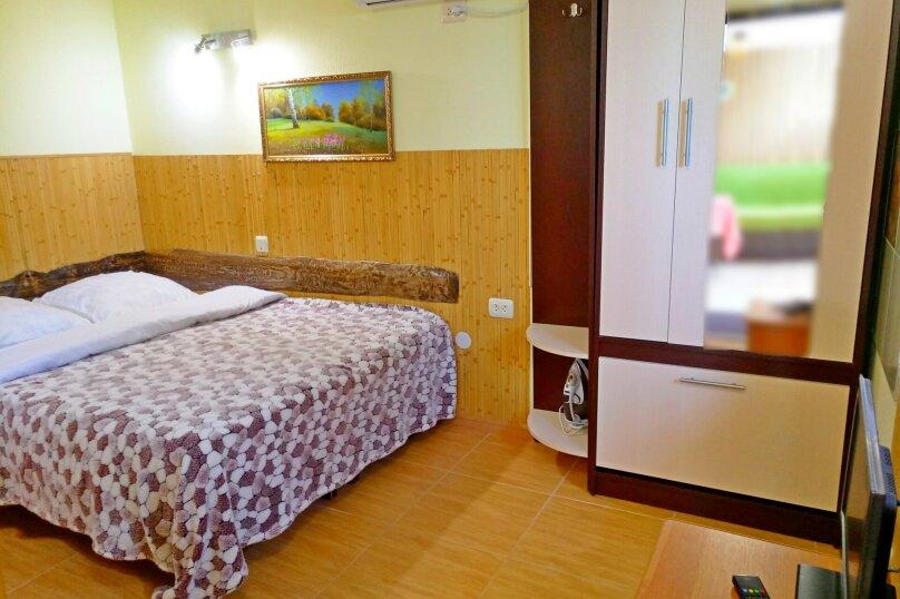 """Гостевой дом """"Крокус"""", Парковый спуск, 32б на 3 комнаты - Фотография 12"""