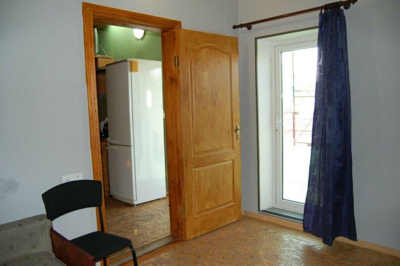 Сдам 3 комнатный дом (2 этаж), 55 кв.м. на 10 человек, 3 спальни, улица Рылеева, 6, Евпатория - Фотография 11