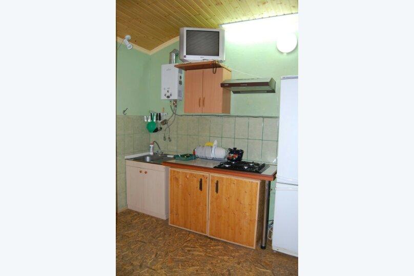Сдам 3 комнатный дом (2 этаж), 55 кв.м. на 10 человек, 3 спальни, улица Рылеева, 6, Евпатория - Фотография 17