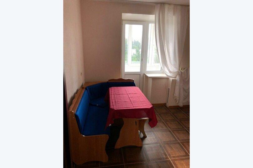 1-комн. квартира, 38 кв.м. на 4 человека, улица Пархоменко, 61, Волгоград - Фотография 2