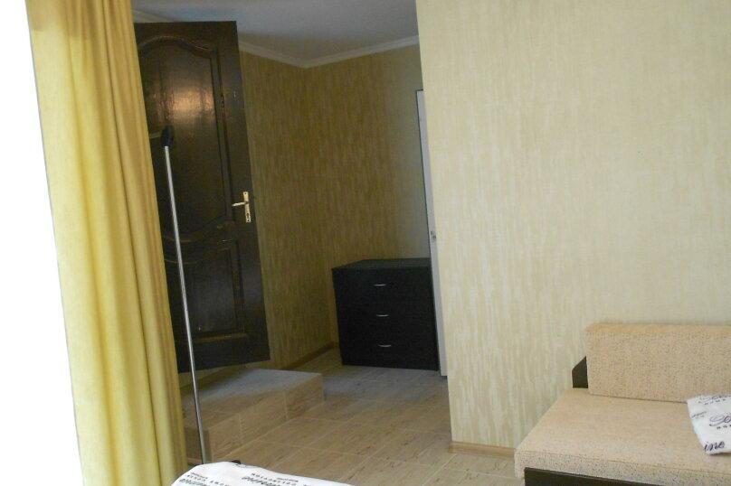 Уютный дом в центре Гагры, Апсны, 25-а на 7 комнат - Фотография 21