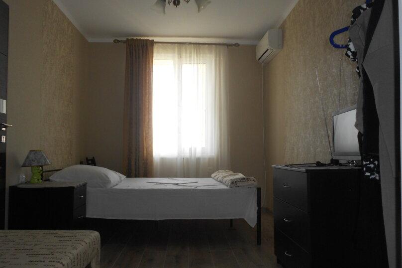 Уютный дом в центре Гагры, Апсны, 25-а на 7 комнат - Фотография 11