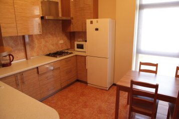 2-комн. квартира, 64 кв.м. на 4 человека, улица Орджоникидзе, Геленджик - Фотография 1