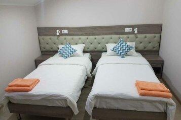 Улучшенный двуместный номер с двумя односпальными кроватями:  Номер, 2-местный, Отель в Динской, ст. Динская на 12 номеров - Фотография 3