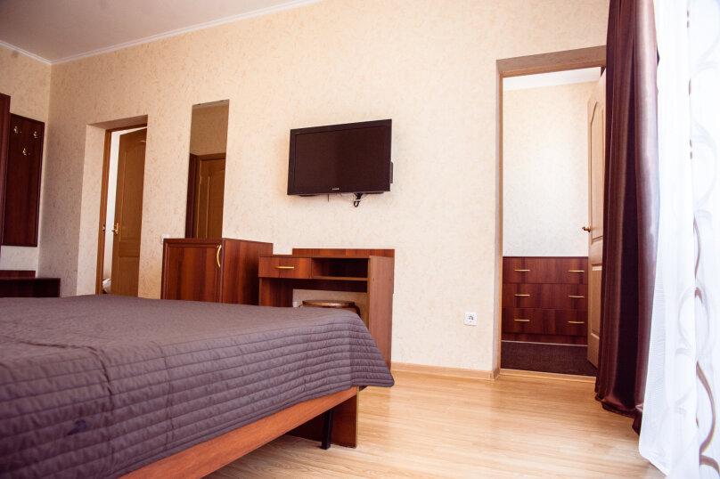 """Гостеприимный дом """"Альпина"""", Совхозный переулок, 4 на 10 комнат - Фотография 24"""