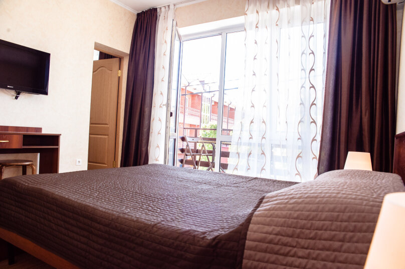 """Гостеприимный дом """"Альпина"""", Совхозный переулок, 4 на 10 комнат - Фотография 26"""