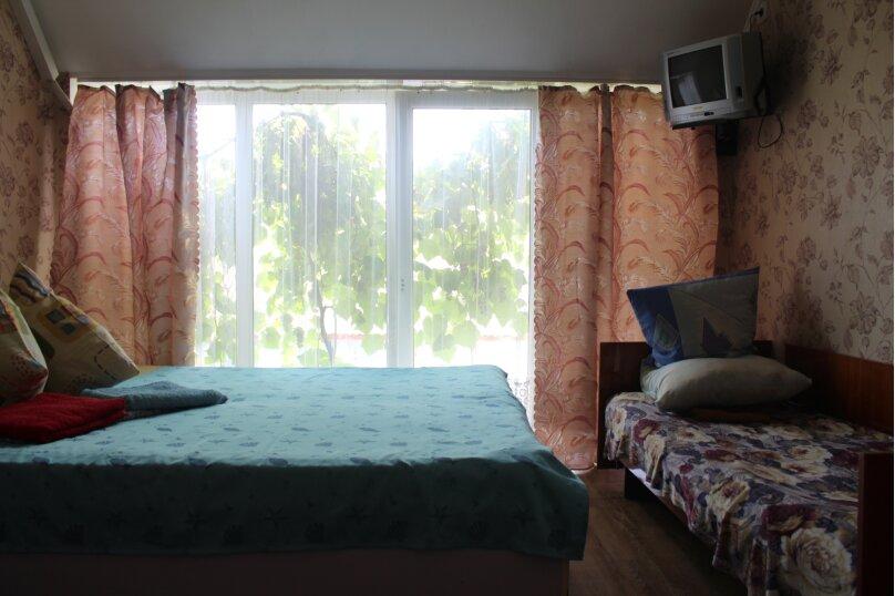 """Гостевой дом """"Три кита"""", Зеленая, 3 на 12 комнат - Фотография 40"""