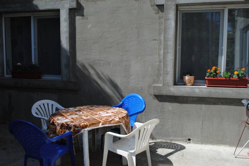 Двухкомнатный дом со двором, 80 кв.м. на 6 человек, 3 спальни, улица Шмидта, 22, Евпатория - Фотография 13
