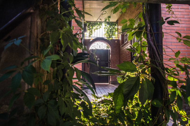 """Гостевой дом """"На 14 апреля 12"""", улица 14 апреля, 12 на 8 комнат - Фотография 16"""