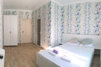 Дом, 110 кв.м. на 7 человек, 2 спальни, Набережная улица, Геленджик - Фотография 1