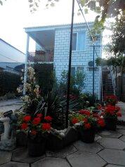 Коттедж на Бирюзова, улица Бирюзова, 46а на 2 комнаты - Фотография 1