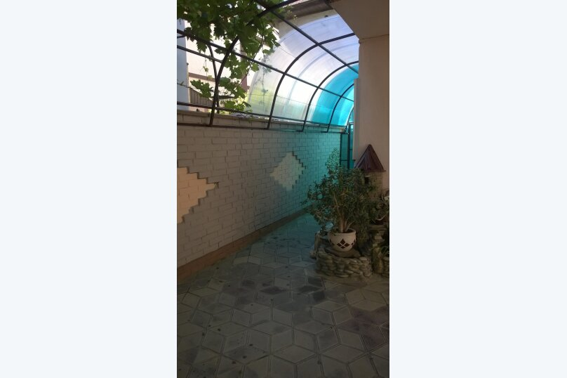 Гостевой дом у Натали, улица Толстого, 34 на 12 комнат - Фотография 32