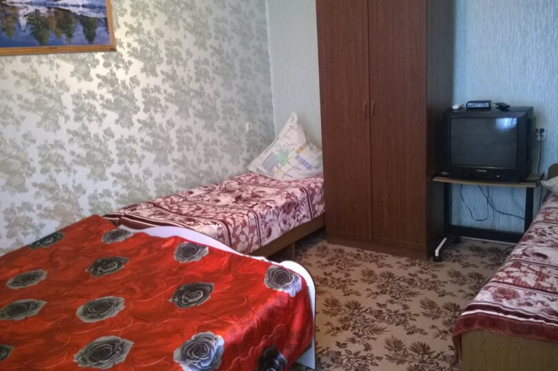 Гостевой дом у Натали, улица Толстого, 34 на 12 комнат - Фотография 38