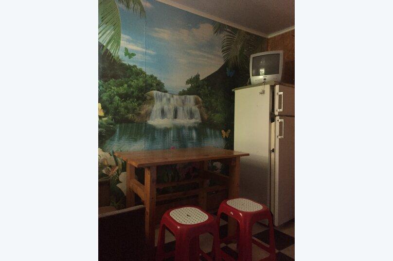 Уютный домик для эконом-отдыха в тихом спальном месте, 36 кв.м. на 5 человек, 2 спальни, улица Чапаева, 13, поселок Приморский, Феодосия - Фотография 7