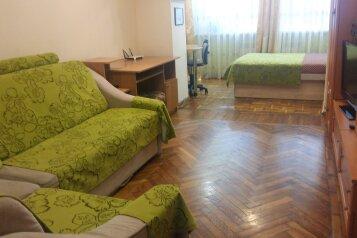 2-комн. квартира, 47 кв.м. на 6 человек, Маратовская, 19, Гаспра - Фотография 1