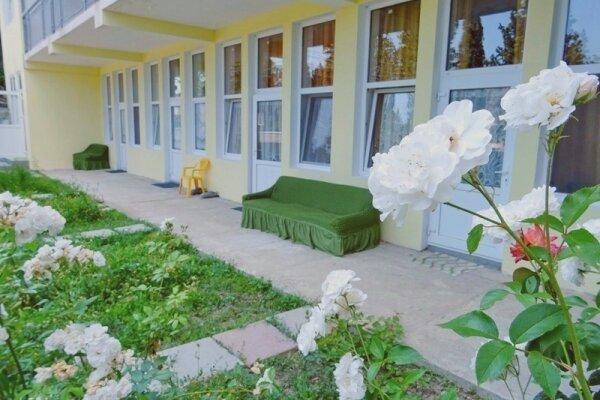 Гостинный двор, Шоссе Свободы, 12-Е на 5 номеров - Фотография 1