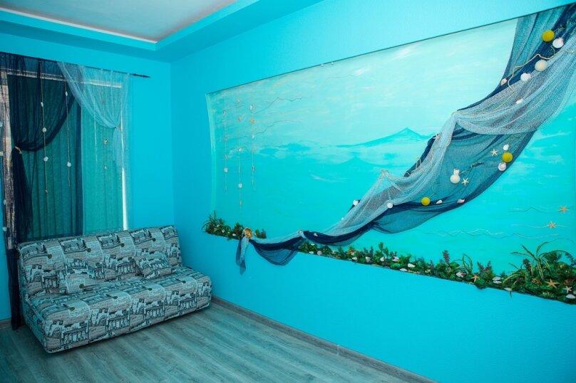 2-комн. квартира, 60 кв.м. на 5 человек, Большая Морская улица, 15, Севастополь - Фотография 1