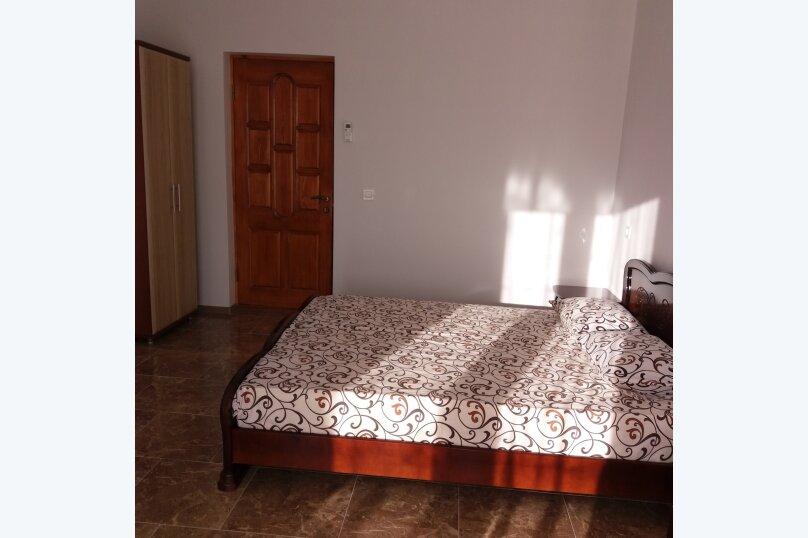 Гостевой дом, улица Шакир Селим, 5 на 5 комнат - Фотография 11