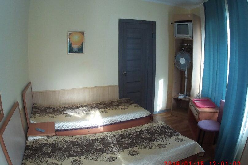 """Гостевой дом """"Три кита"""", Зеленая, 3 на 12 комнат - Фотография 12"""