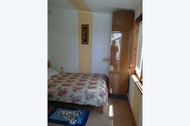 Два небольших дома в уютном дворе, улица 8 Марта, 32 на 2 номера - Фотография 12