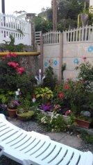 Дом в центре Алушты не далеко от моря, 45 кв.м. на 6 человек, 3 спальни, улица Карла Маркса, 70, Алушта - Фотография 1
