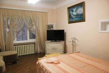 2-комн. квартира, 70 кв.м. на 4 человека, улица Чехова, Ялта - Фотография 1