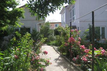 Дом, 130 кв.м. на 10 человек, 3 спальни, улица Гайдара, 28, поселок Приморский, Феодосия - Фотография 1