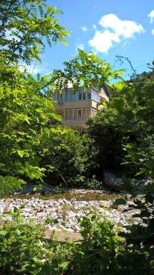 Гостевой дом в Мамедовом ущелье, Ручейная улица, 12 на 13 номеров - Фотография 1