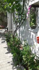 номер 4 в частном дворе:  Номер, Эконом, 2-местный, 1-комнатный, Частный дворик, улица Баранова на 4 номера - Фотография 4