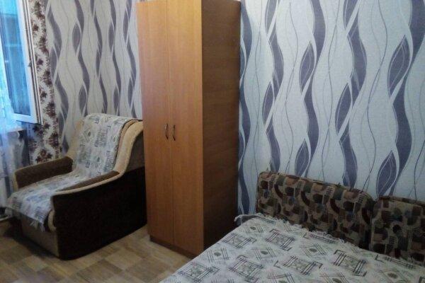 Гостевой домик из трёх раздельных комнат с цветочным балконом, 50 кв.м. на 8 человек, 3 спальни