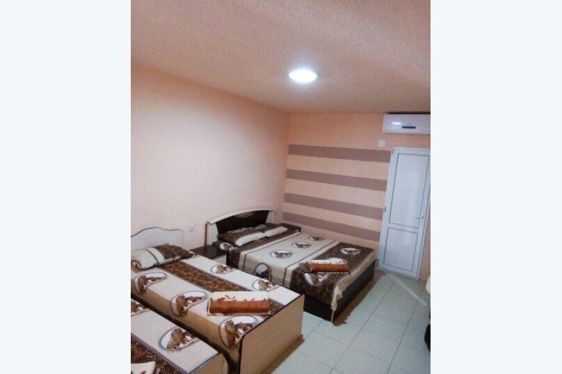 "Гостиница ""Ландыш"", улица Разина, 22А на 4 комнаты - Фотография 7"