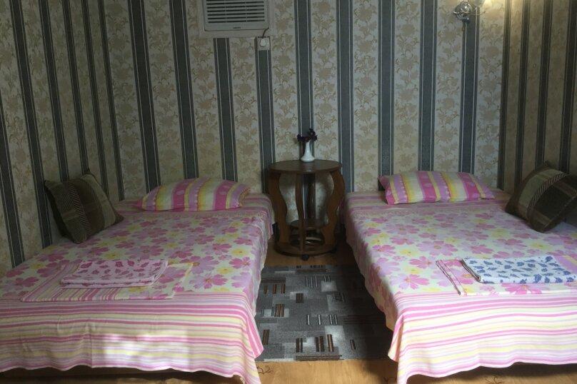 """Гостевой дом """"На 14 апреля 12"""", улица 14 апреля, 12 на 8 комнат - Фотография 21"""