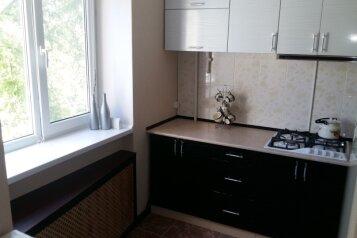 1-комн. квартира, 31 кв.м. на 3 человека, улица Ульяновых, Керчь - Фотография 1