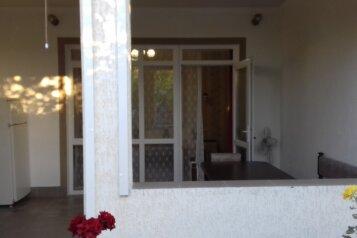 Дом, 40 кв.м. на 4 человека, 1 спальня, ул. Морская, Штормовое - Фотография 3