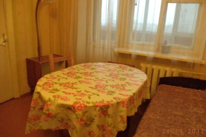 3-комн. квартира, 55 кв.м. на 3 человека, улица Академика Арбузова, 42, Казань - Фотография 3